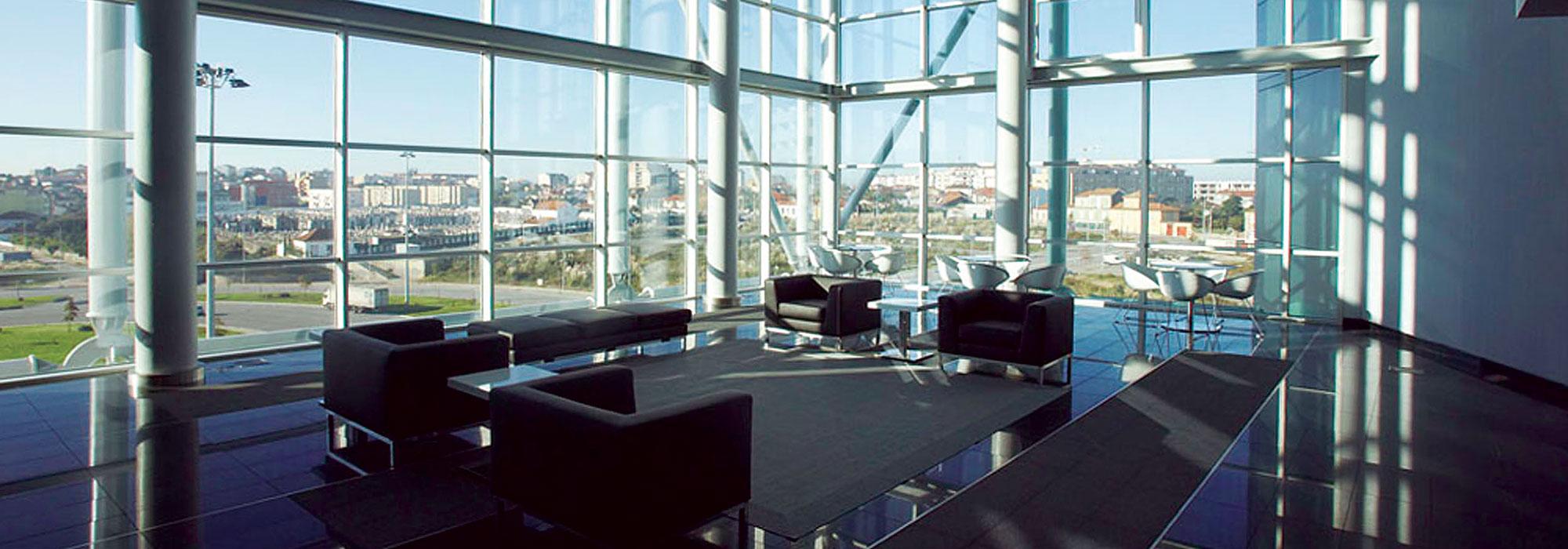 Gaianova torre plaza porto facal regino cruz for Vodafone oficinas barcelona